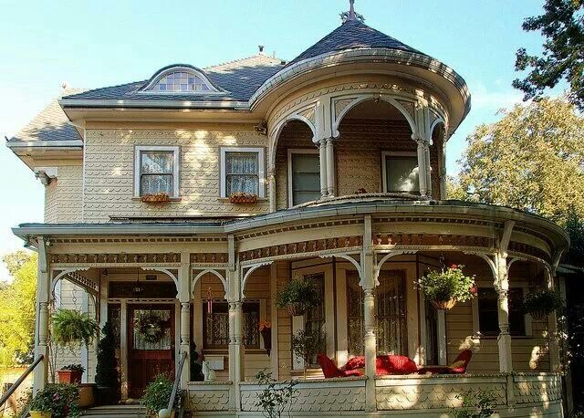 Late 1800 39 s victorian home in california vintage style for Victorian house facts