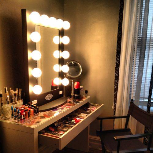 vanity broadway mirror makeup obsession pinterest. Black Bedroom Furniture Sets. Home Design Ideas