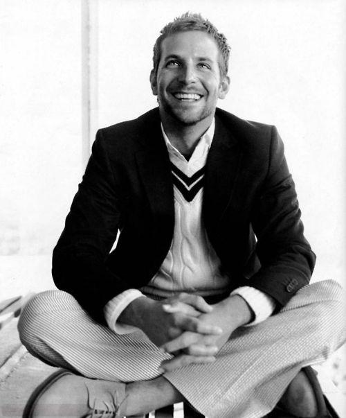Bradley Cooper on cricket jumper