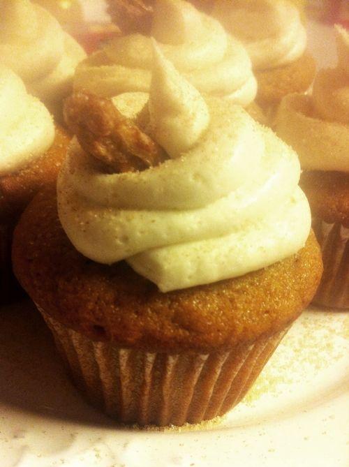 Sweet Potato Cupcakes With Cinnamon Sugar Cream Cheese Frosting Recipe ...