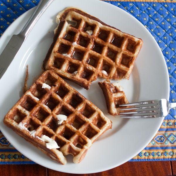 sourdough waffles | I eat, therefore I am | Pinterest