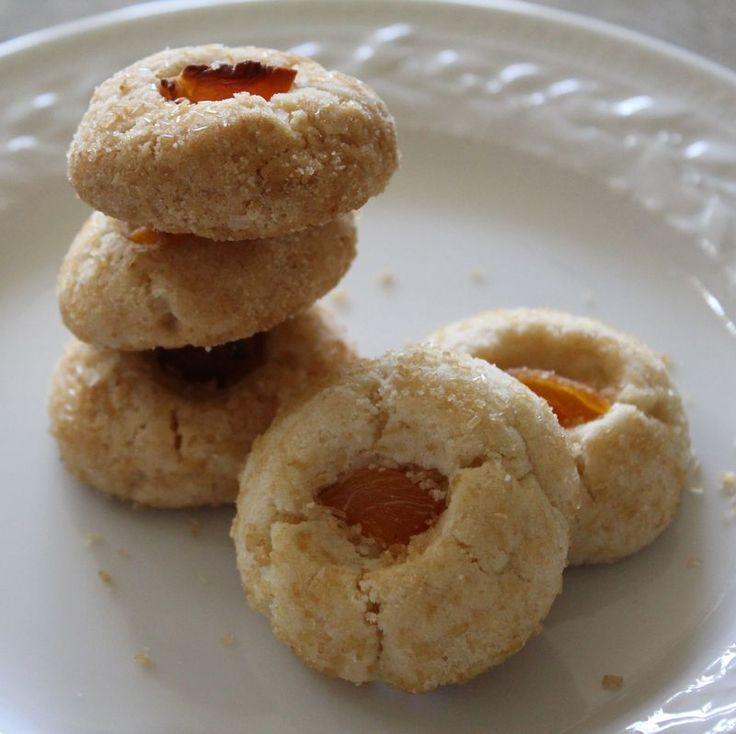 chinese almond cookies | Cookies, Brownies & Bar Cookies | Pinterest