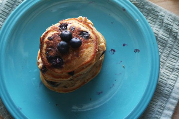 Whole Wheat Blueberry Lemon Pancakes | Break that fast! | Pinterest