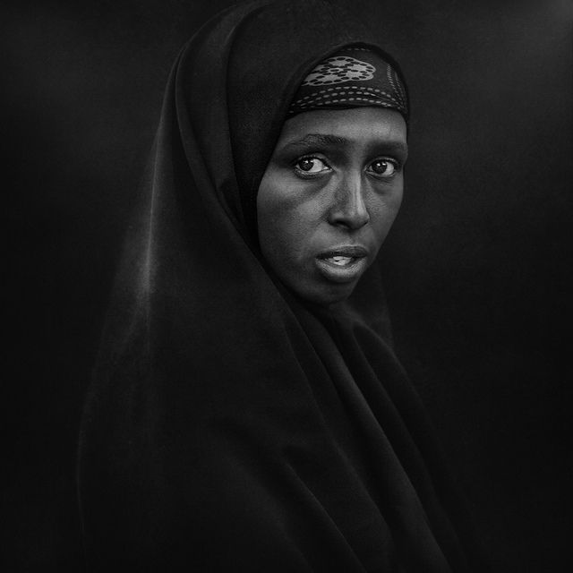Potent black and white portraits interior designs