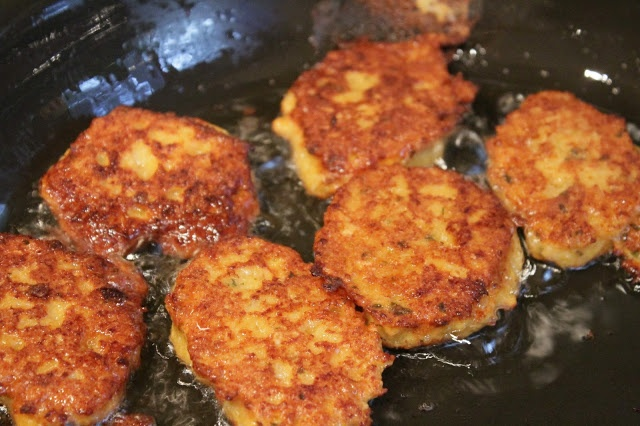 Home made fish cakes mary 39 s food journal pinterest for Homemade fish food