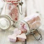 Homeade vanilla bean marshmallows made with rasberries! Not a fan of ...