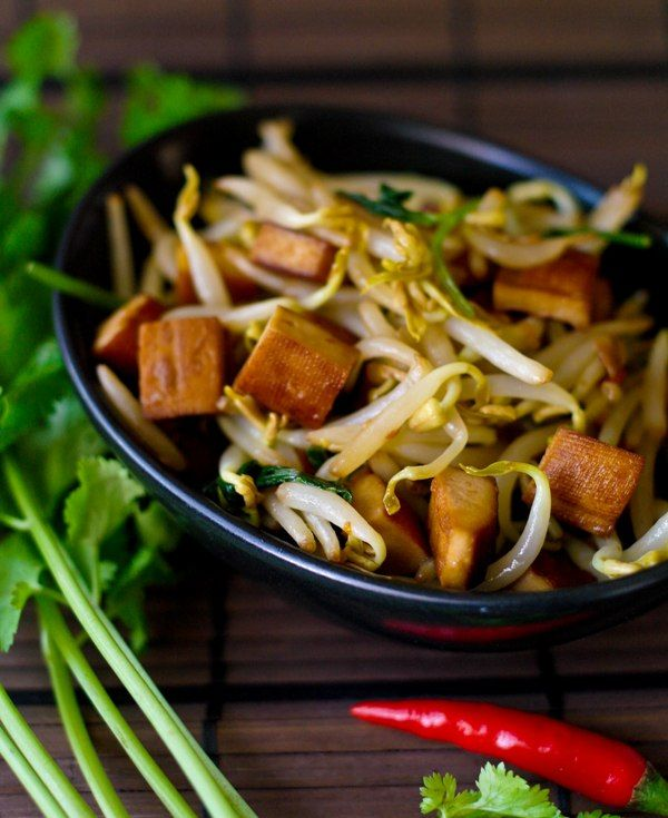 Spiced Tofu with Bean sprouts - Vegan | Tofu dishes | Pinterest
