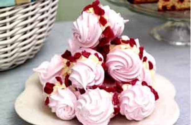 Light rose meringue swirls   Sweet treats   Pinterest