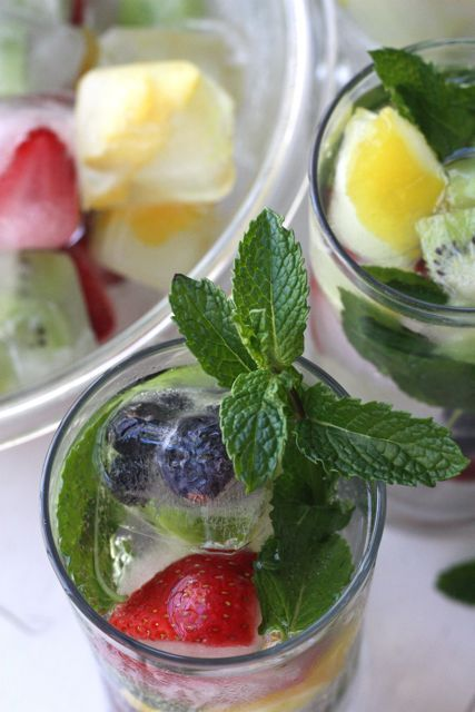 Beautiful Bite: Low Calorie Fruit Spritzers with Fruit Ice Cubes