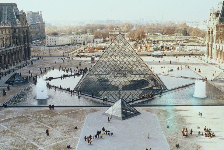 Pyramide du louvre paris paris pinterest - Pyramide du louvre 666 ...