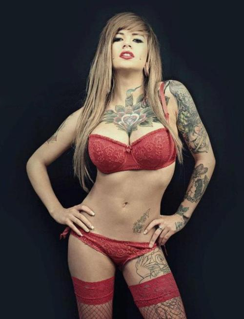 hot nude chicks with tats