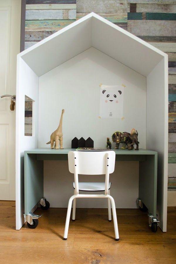kids work space. (via Bloglovin.com )