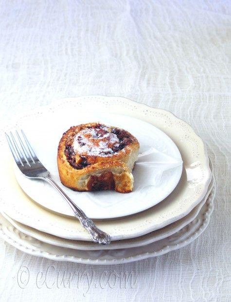 caramelized apple walnut cinnamon rolls | Food and drink creations fo ...