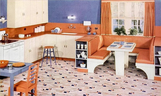 Lovely open space design and vivid colour palette. #vintage #1940s #kitchen #home #decor