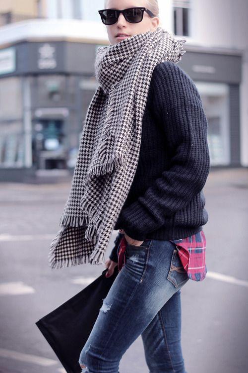 infinity warm scarf,navy sweater and boyfriend jeans