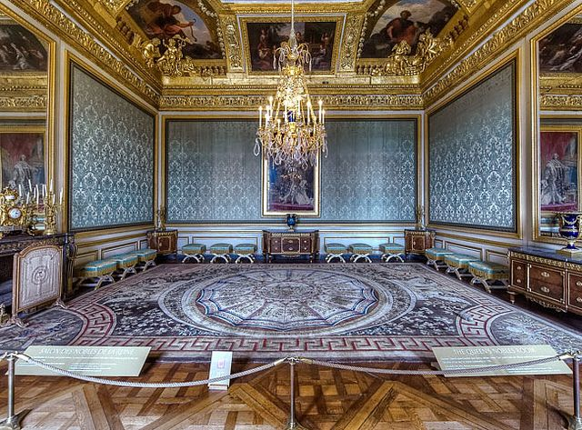 Pin by trish white on travel spots pinterest for Salon versaille