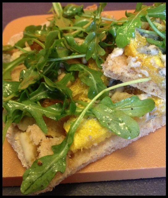 Roasted acorn squash, Gorgonzola & arugula pizza. http ...