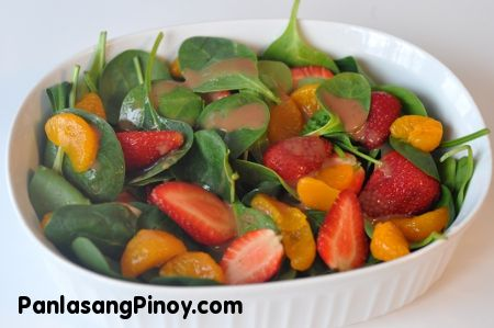 Strawberry Mandarin and Spinach Salad in Balsamic Vinaigrette Dressing