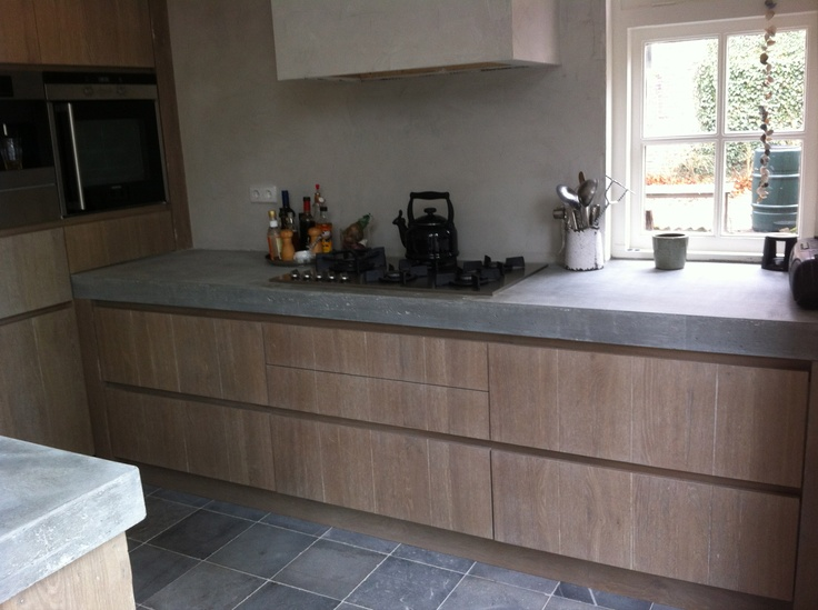 Keuken Met Betonblad : Robuuste oud eiken geloogde keuken met betonblad by Natural-living.