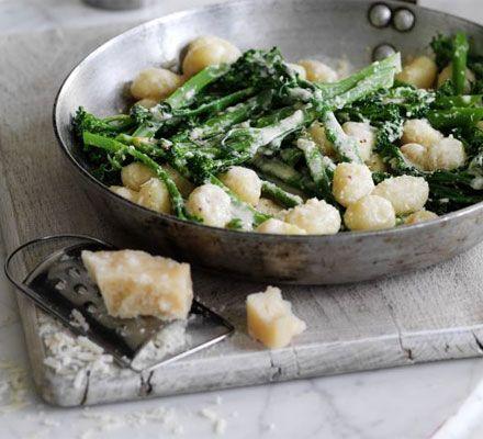 Gnocchi with broccoli & parmesan cream sauce