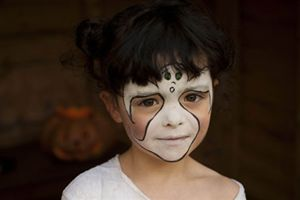 Halloween facepaint ideas: easy ghost