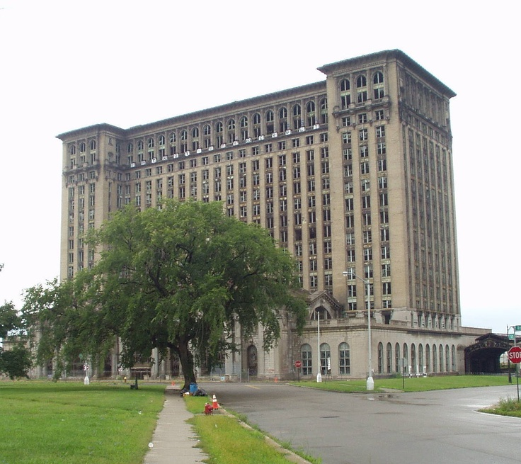 Detroit Landmarks and Buildings abandoned