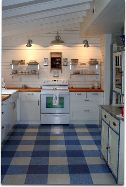 three color VCT tile flooring in blue - awesome pattern!