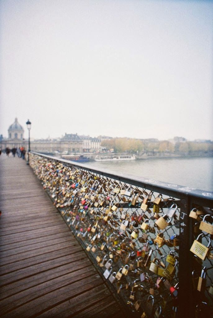 Love lock bridge in paris wanderlust pinterest for Locks on the bridge in paris