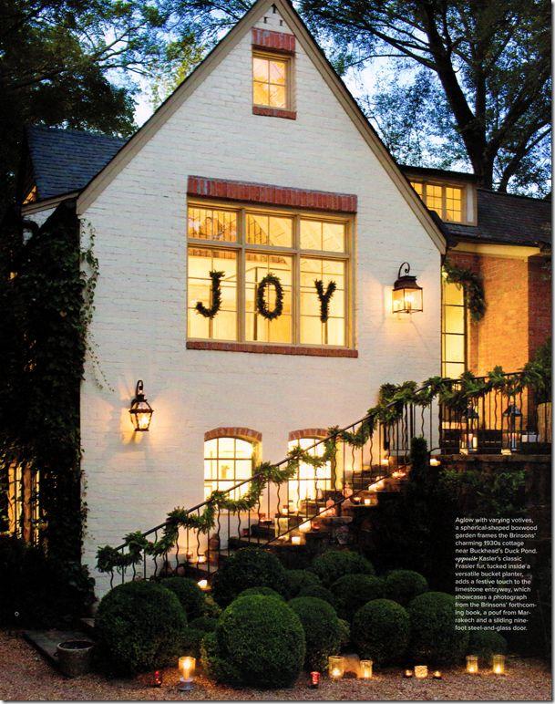 Christmas-y words in windows... :)
