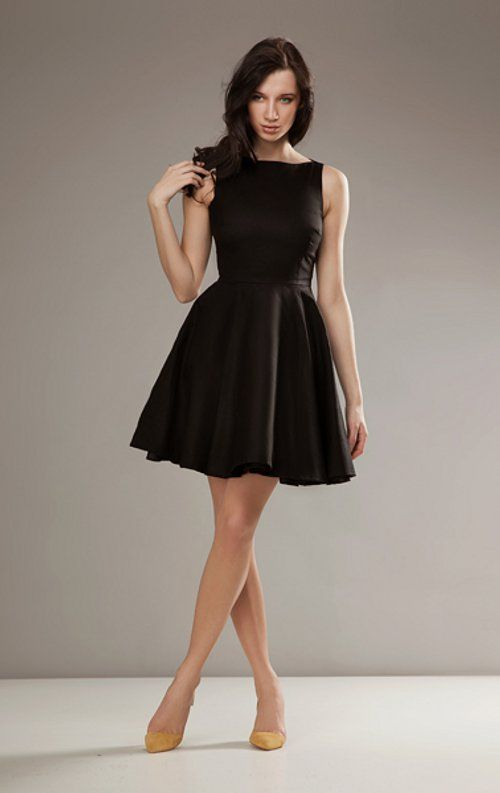 Audrey Hepburn Style Travel Wardrobe. The Little Black Dress Love Audrey Hepburn's style, but as a curvy girl, it is harder for me to pull off. Would love to see the same style but on a plus size model. Reply. Travel Fashion Girl on September 6, at am.