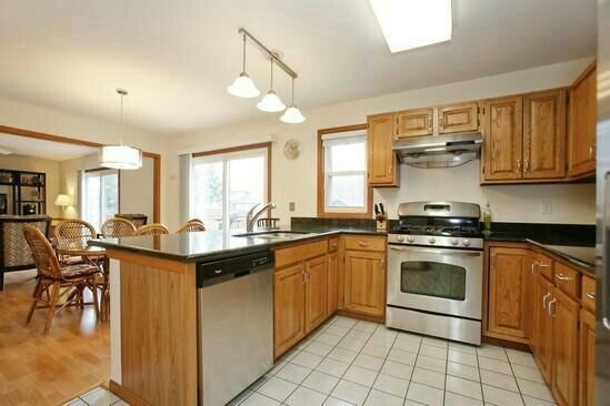 Honey oak kitchen cabinets kitchens pinterest for Kitchen ideas honey oak cabinets