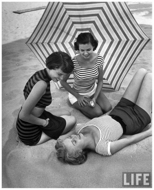 beach gals