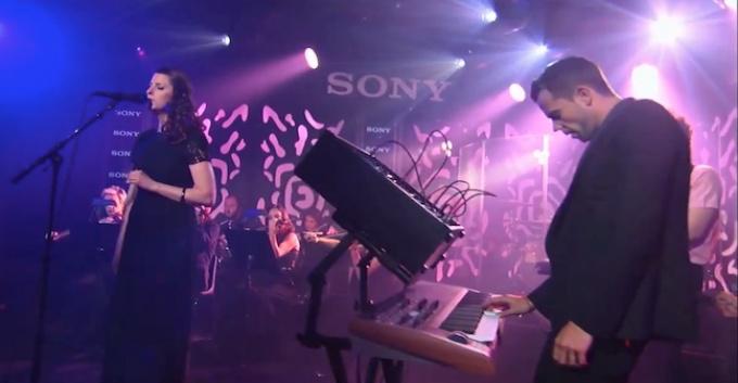 M83 interpreta en vivo soundtrack de Oblivion [+VIDEO]