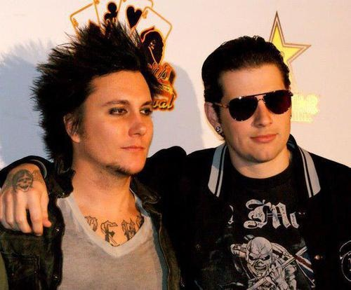 Shadows and Synyster Gates ~ Avenged Sevenfold