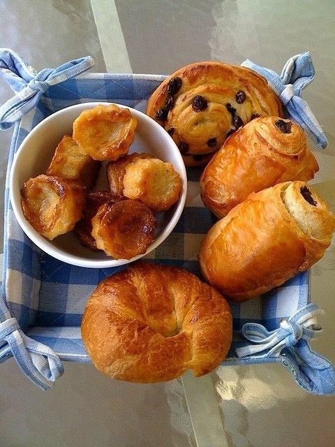 Pain au Chocolat & Croissants | Favorite Foods & Dishes | Pinterest