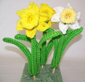 Free Crochet Daffodil Flower Pattern : daffodil yard picks crochet Pinterest
