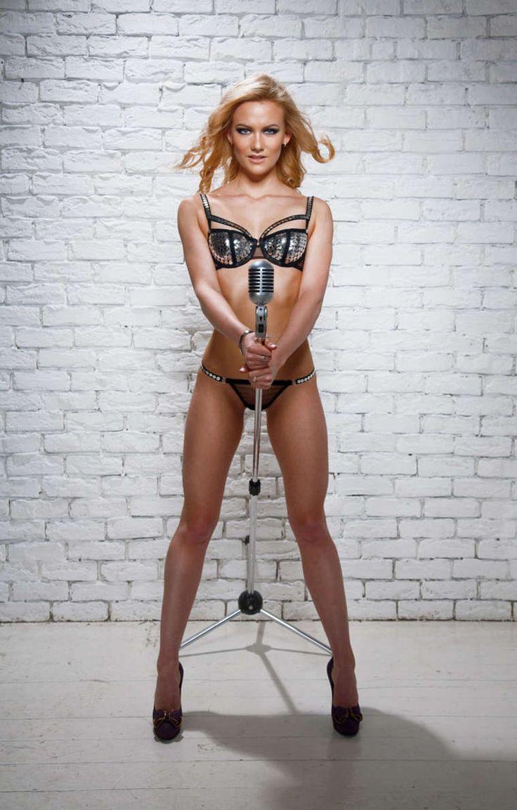 lesbiyanki-porno-negrityanka-i-belaya