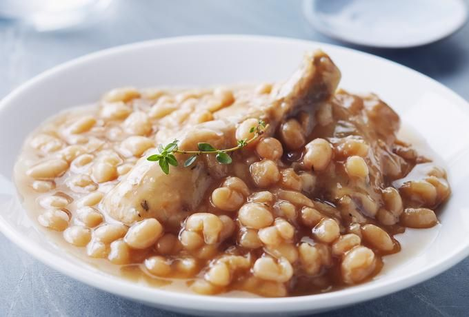 Recipes - Maple Baked Beans & Chicken » Chicken.ca