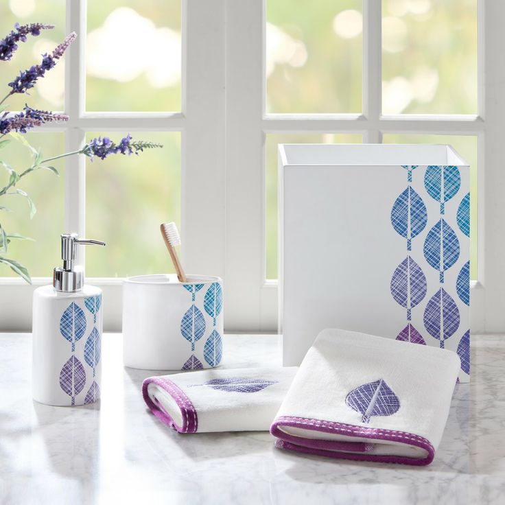 Elegant bathroom accessories sets bath accessories for Pink bathroom sets bath accessories