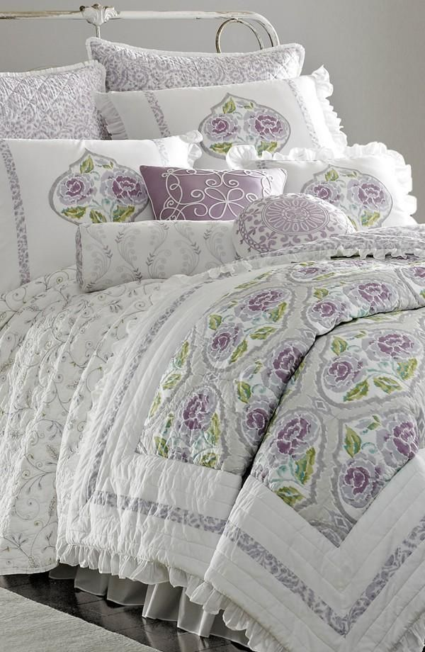 In love with this lavender comforter.