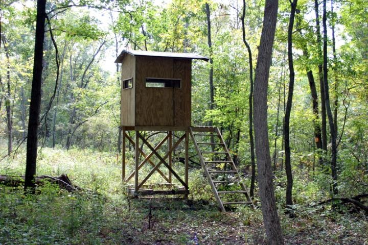 elevated hunting blind d outdoors pinterest