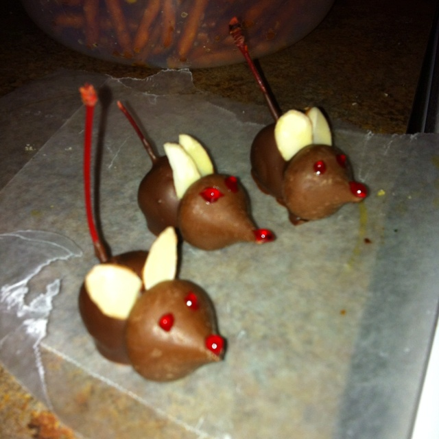 Chocolate covered cherry mice   Recipes   Pinterest