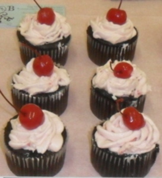 Chocolate Cherry Cola Cupcakes with Cherry Frosting | Recipe