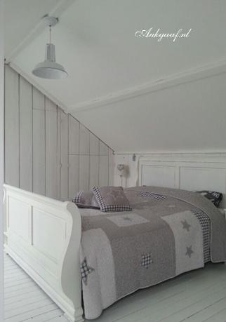 Brocante bed  HOME, huis en inrichting.  Pinterest