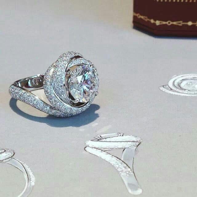 Cartier wedding ring Ruben infinity rose