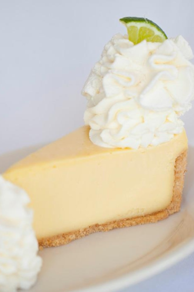 Key lime pie cheesecake ! | Sweet Treats: Gluten Free & Regular | Pin ...
