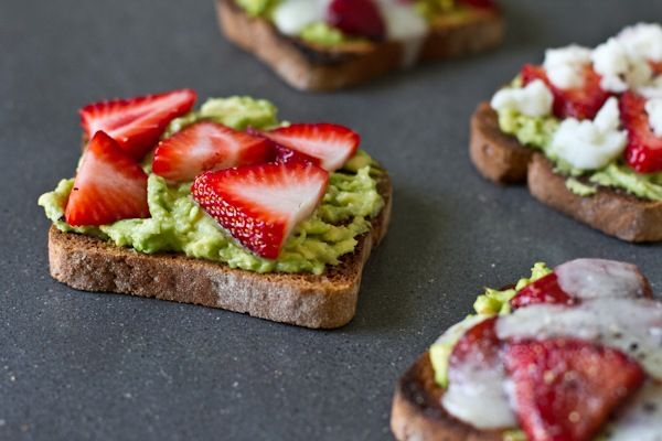 Avocado, strawberry, goat cheese sandwich. Looks yum.  Eat cold or hot.