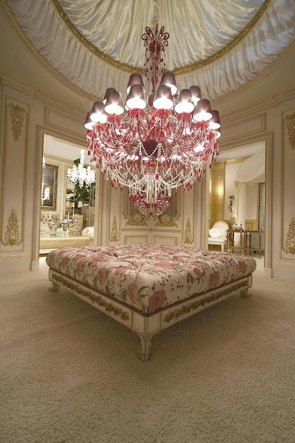 Pink 'n elegant bedroom http://champagnemacarons.blogspot.com/2012/01/wishing-you-beautiful-inspiration-plus.html #pink #elegant #bed #room #bedroom
