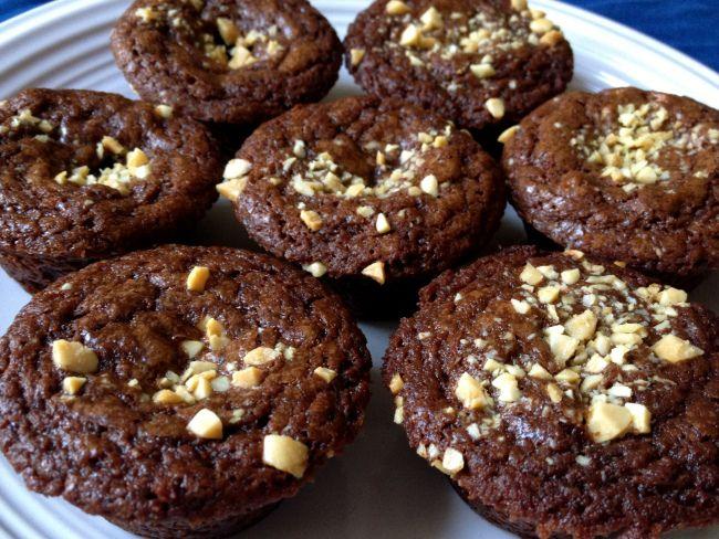 Snickers Brownie Bites | something sweet | Pinterest