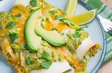 Chicken and Avocado Enchiladas in Creamy Avocado Sauce — Punchfork ...